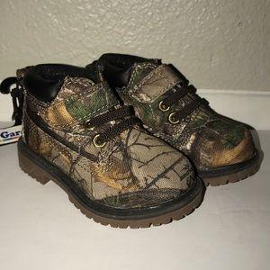 NWT Garanimals Camouflage Hunting Boots Boy's 4